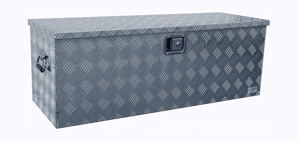 Es gibt die Truckbox D160 mit und ohne Montagematerial bei Amazon. Kaufen Sie die passende Aluminium-Kiste aus Riffelblech mit Montage-Zubehör oder als einzelne Alubox. Hier finden Sie aktuelle Angebote und Preise.